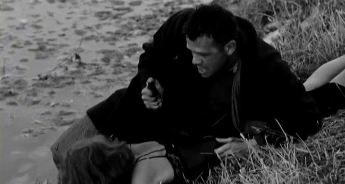 2. Simones Ermordung Nadias, die in Viscontis rocco e i suoi fratelli im Wechselschnitt zu Roccos entscheidendem Sieg im Boxring dargestellt wird