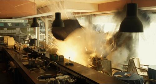 5. Explosion 1 in der Bar